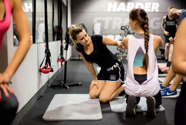 kurs trenera personalnego jak zostać trenerm personalnym ile zarabia trener